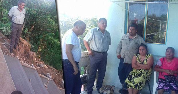 Antorcha gestiona escalinatas en una colonia de Xicotepec