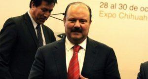 Amparan a exgobernador César Duarte contra captura por peculado
