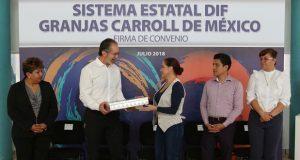 Dinorah López da apoyo alimenticio a Casas Asistencia