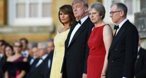 Trump crítica a primera ministra británica por plan para el Brexit