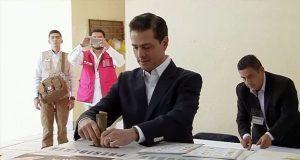 Enrique Peña Nieto y los cuatro presidenciables ya votaron