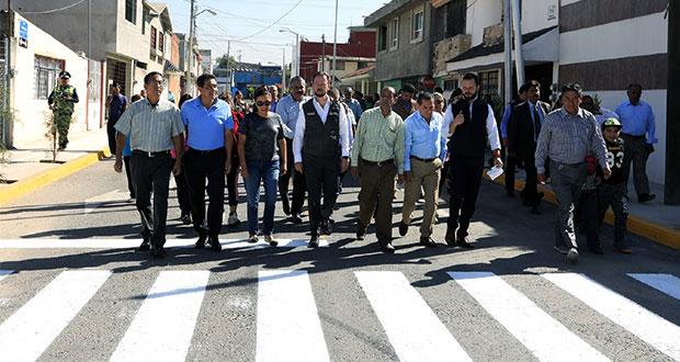 Banck entrega pavimentación de calle en Granjas de San Isidro