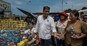 Por secuestro, ordenan captura de Correa, expresidente de Ecuador