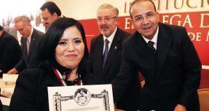 Reconocen labor de tres juristas poblanos en Día del Abogado