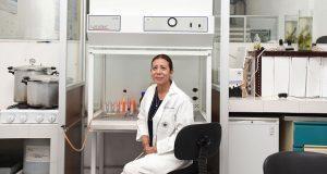 Investigadora de la BUAP halla bacterias resistentes a contaminantes