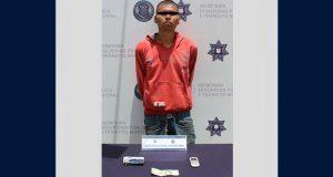 Detienen en Los Héroes Puebla a sospechoso de robo a gasero