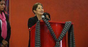 """Estudiar política """"abre los ojos"""" a los jóvenes: Soraya Córdova"""