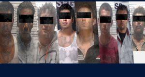 Por diversos delitos, aseguran a 8 hombres en Puebla capital