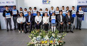 Susana Angulo encabeza graduación del Centro de Día del IEEA