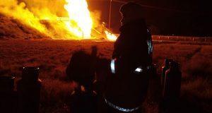 Toma clandestina de gas LP explota en Acajate; lleva más de 7 horas ardiendo
