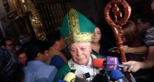 Iglesia debe pagar impuestos porque cuenta con colegios: arzobispo
