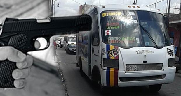 Denuncian asaltos en ruta Azteca y línea Vía en Puebla y Amozoc