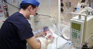 Bebés nacen prematuros por problemas de salud en las mamás: IMSS