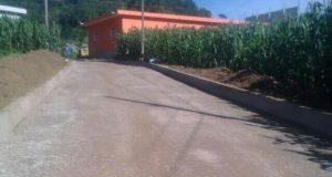 Entregan adoquinamiento de 2 calles en colonia de Altepexi