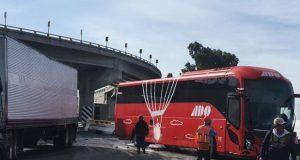 Carambola entre 4 vehículos en la Amozoc-Perote deja 4 heridos