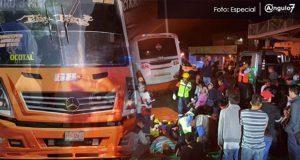 Chofer de ruta 68 choca contra árbol y deja 17 heridos en Puebla