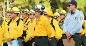 Conafor envía 103 combatientes de incendios a Canadá