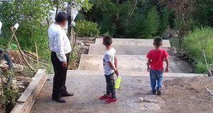 Avanzan 70% obras para escalinatas en colonia de Xicotepec: Antorcha