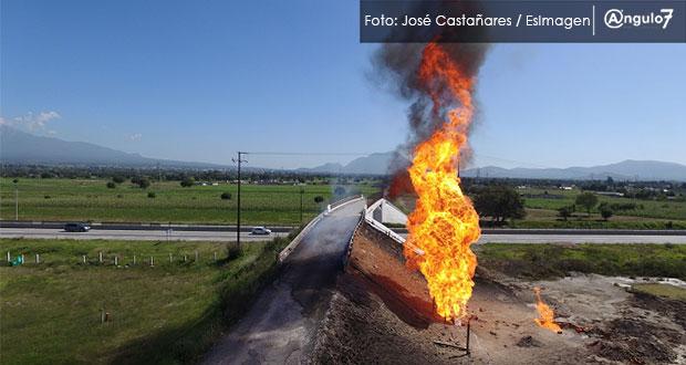 Incendio provocado por toma clandestina en Acajete está controlado: Pemex