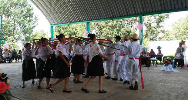 """Se gradúa 1ª generación de bachillerato """"Nueva Creación"""" en Cuautlita"""