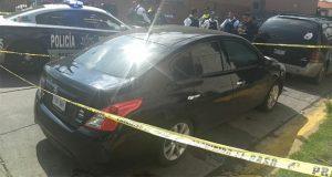 Hallan cadáveres de 6 hombres dentro de auto en Edomex