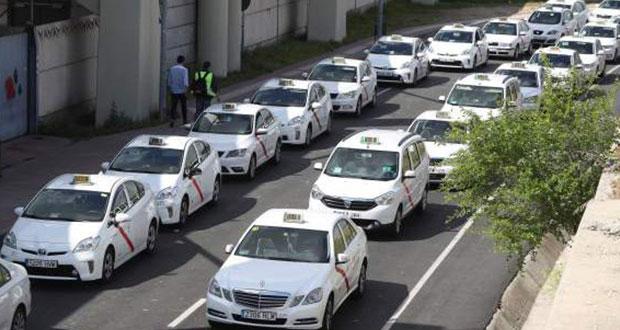 Taxistas españoles llevan 4 días en huelga; exigen limitar Uber