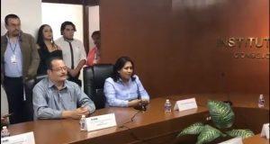 Nadia Navarro recibe constancia de primera minoría al Senado