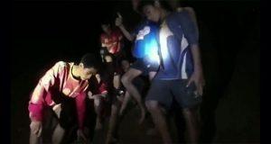 Tras 10 días, hallan a los 12 niños perdidos en cueva en Tailandia