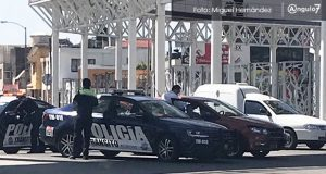 Pese a ser patrulla de tránsito, choca contra particular en Puebla