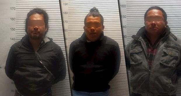 En Puebla, detienen a supuestos ladrones de cajero automático