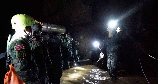 Rescatan a últimos 4 niños y adulto atrapados en cueva de Tailandia