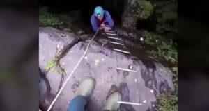 Rescatan a 4 niños de los 12 atrapados en una cueva de Tailandia