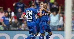Cruz Azul golea 3-0 a León, sigue invicto y se vuelve líder general