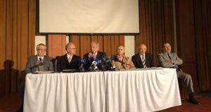 Construir NAIM o usar base de Santa Lucía, el pueblo decide: AMLO