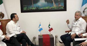 AMLO y presidente de Guatemala acuerdan cooperar en migración