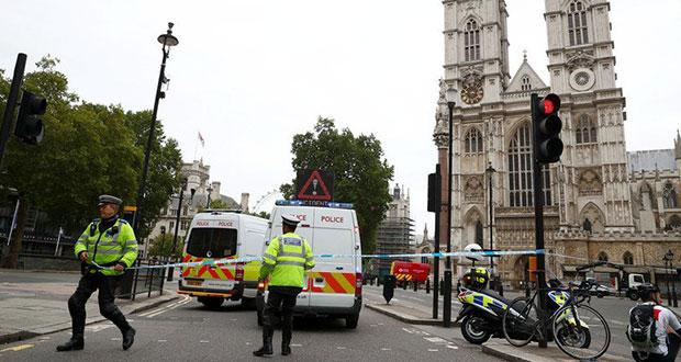 Atropellan a dos en Parlamento Británico; sería atentado terrorista