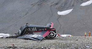 20 personas murieron en avión militar que cayó en los Alpes suizos