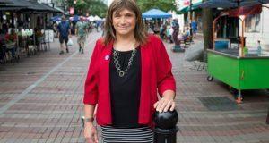 Mujer trans es candidata en Vermont; venció a un niño de 14 años