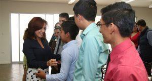 DIF recibe a 12 jóvenes centroamericanos que estudiarán en Conalep