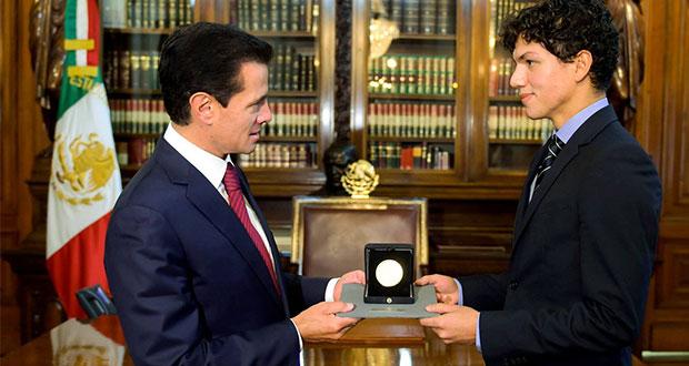 Entregan Medalla Bella Artes a bailarín jalisciense Isaac Hernández