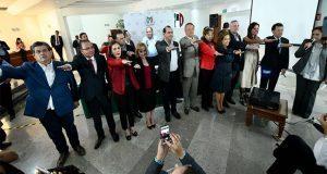 Javier Casique deja dirigencia del PRI en Puebla y se va al CEN