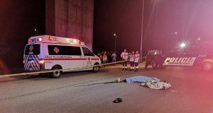 Muere sujeto al caer del Periférico 30 metros; no descartan suicidio