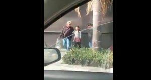 Presuntos inspectores quitan gelatinas a niña ambulante en la Juárez