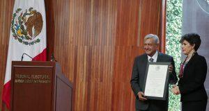 Tepjf declara a AMLO presidente electo y le entrega constancia de mayoría