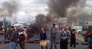 Vecinos de Cuyoaco bloquean la Puebla-Teziutlán