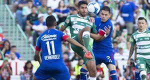 Cruz Azul continúa de líder pese a empate con Santos