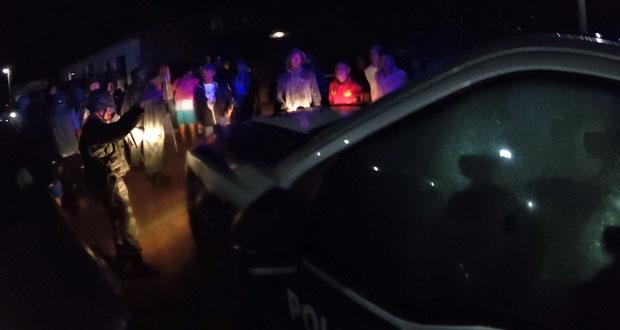Rescatan a 4 policías y sospechoso que iba a ser linchado en Tepeaca