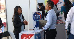 En feria de empleo juvenil, 97 empresas ofrecen 2,500 vacantes