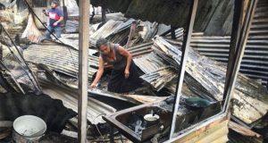 En puerto de Veracruz, se incendian 11 viviendas tras caída de rayo