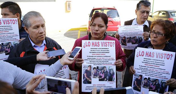 Padres de alumno hallado muerto en Izúcar exigen cuerpo y pesquisa